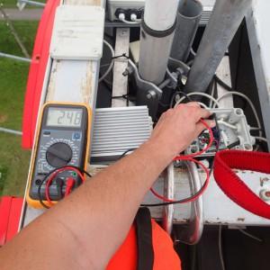 Prace elektryczne na wysokości